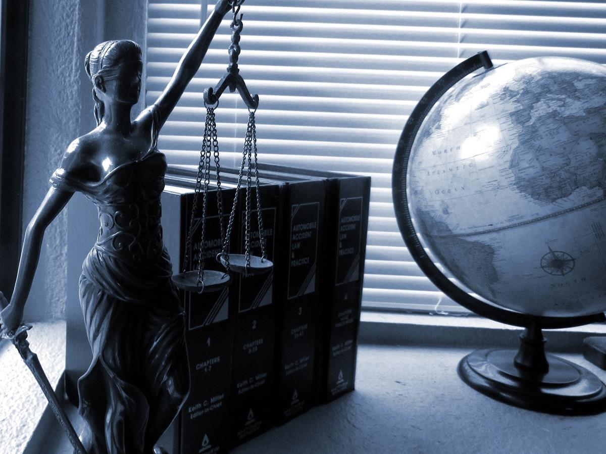 W czym może nam pomóc prawnik?