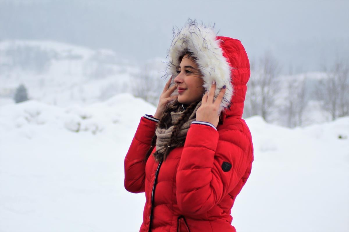 Na co powinno się zwracać uwagę kupując wysokiej jakości kurtkę zimową