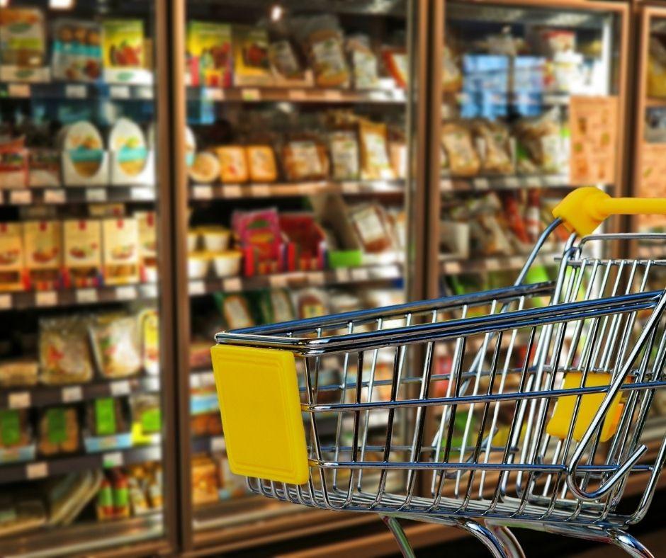 Jak sieci spożywcze mogą wykorzystać technologię do poprawy bezpieczeństwa żywności w swoich sklepach