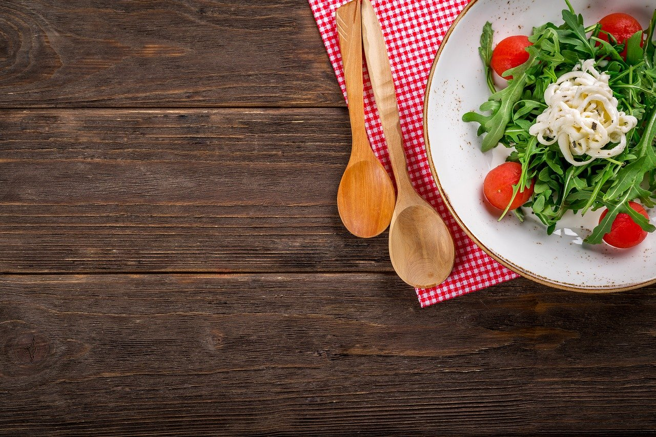 Celebrytki kulinarne w kuchni. Poznaj najpopularniejsze osoby.
