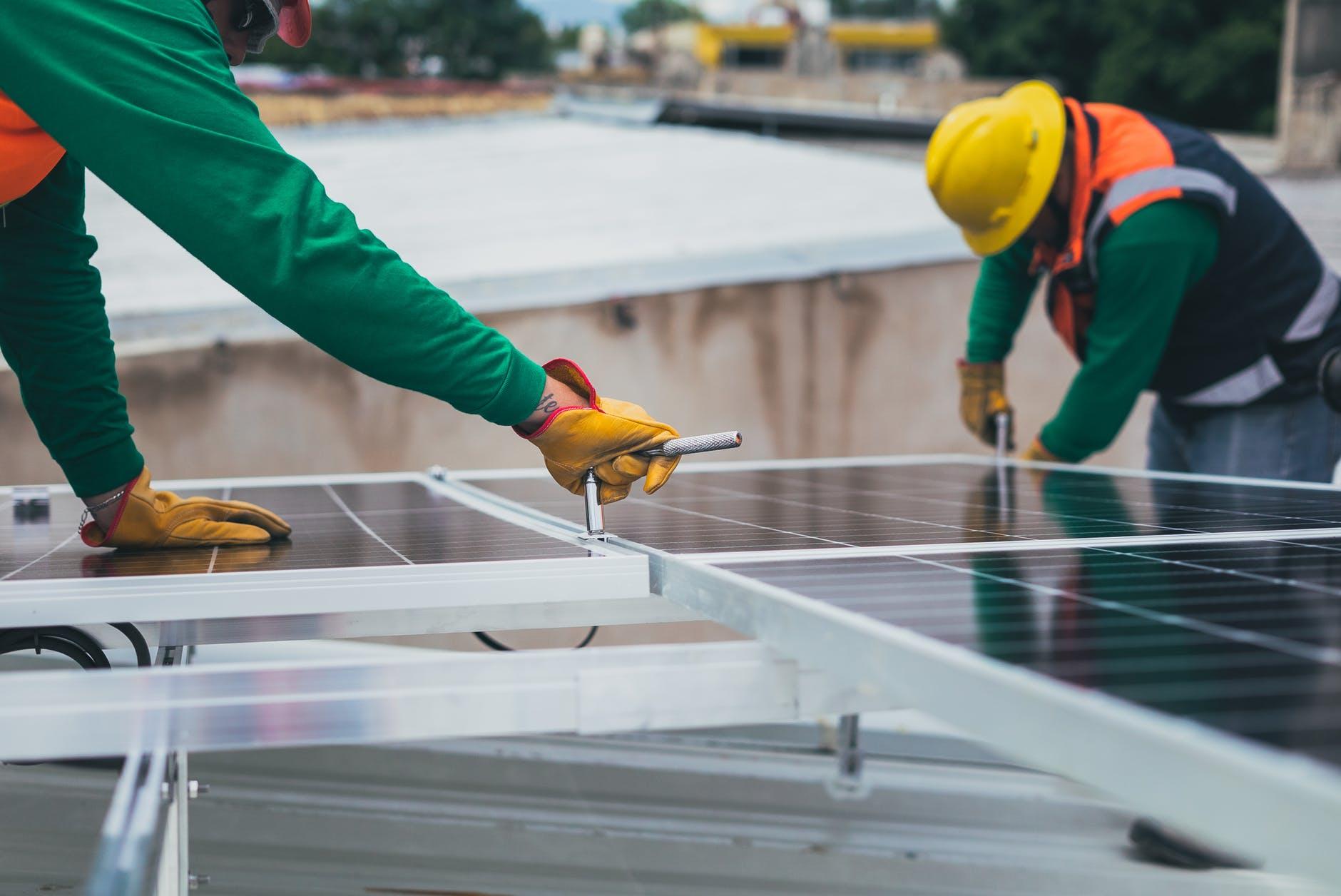 Fotowoltaika — świetny sposób na obniżenie rachunków za energię i nie tylko